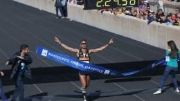 Στην 10η θέση και για 4η φορά συνεχή χρονιά πανελληνιονίκης τερμάτισε ο Χριστόφορος Μερούσης με 2.24.58 στον 34ο Αυθεντικό Μαραθώνιο της Αθήνας, την Κυριακή 13 Νοεμβρίου 2016, στο Καλλιμάρμαρο. Περισσότεροι από 50.000 δρομείς, από όλο τον κόσμο, συμμετέχουν στον 34ο Αυθεντικό Μαραθώνιο της Αθήνας. Ο αριθμός των δρομέων φέτος αποτελεί και ένα νέο ρεκόρ για το σημαντικό αυτό θεσμό. ΑΠΕ-ΜΠΕ, ΟΡΕΣΤΗΣ ΠΑΝΑΓΙΩΤΟΥ