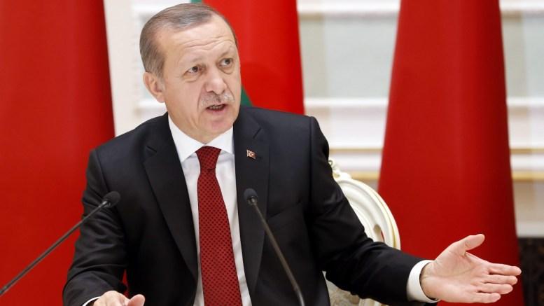 """""""Έχουμε πάρα πολλές εναλλακτικές"""" εκτός από την ΕΕ, δήλωσε ο πρόεδρος Ερντογάν. EPA/TATYANA ZENKOVICH"""