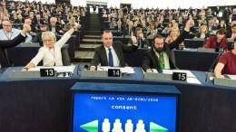 FILE PHOTO. Το ΕΛΚ κατηγορεί την Τουρκία για εμμονή με τις εγγυησείς και ζητά να τερματιστεί η παρενόχληση των εγκλωβισμένων. EPA/PATRICK SEEGER