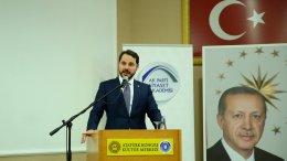 """Το """"Μπαρμπαρός"""" έκανε το πρώτο βήμα 'της επιθετικής διαδικασίας στις έρευνες και γεωτρήσεων' που εξήγγειλε ο Τούρκος Υπουργός Ενέργειας Μπεράτ Αλμπαϊράκ. Ο τελευταίος είναι γαμπρός του Ταγίπ Ερντογάν. Photo via Energy Ministry"""