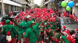 Με τεράστια επιτυχία, για ακόμη μια χρονιά, ολοκληρώθηκε η πορεία του Santa Run 2016 στην πόλη από όπου ξεκίνησε και έγινε θεσμός για την υπόλοιπη Ελλάδα, τα Χανιά!. Φωτογραφία flashnews.gr
