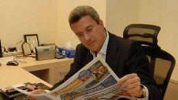 Ο Νίκος Χατζηνικολάου στα γραφεία  της Real. Φωτογραφία Real.gr