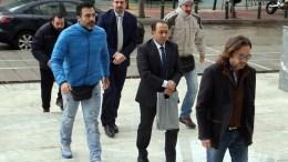 Φωτογραφία Αρχείου: Οι δύο από τους οκτώ Τούρκους αξιωματικούς (3-A & 3-Δ) προσέρχονται συνοδευόμενοι από αστυνομικούς στον Άρειο Πάγο. ΑΠΕ - ΜΠΕ, Αλέξανδρος Μπελτές