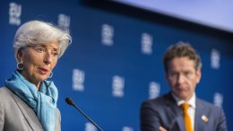From left to right: Ms Christine LAGARDE, Managing Director of the IMF; Mr Jeroen DIJSSELBLOEM, President of the Eurogroup. Credit 'The European Union'
