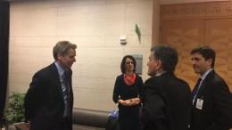 Ο υπουργός Οικονομικών Ευκλείδης Τσακαλώτος, με τον Πολ Τόμσεν, την Ντέλια Βελκουλέσκου και τον Γιώργο Χουλιαράκη. Φωτογραφία ΛΕΝΑ ΑΡΓΥΡΗ