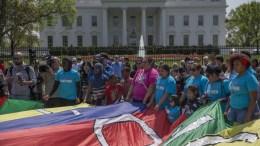 Φωτογραφία Αρχείου Protesters caravanned from Miami to Washington, DC to demand that elected leaders stand up to President Trump's immigration policies. EPA, SHAWN THEW