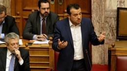 Ο υπουργός Ψηφιακής Πολιτικής, Τηλεπικοινωνιών και Ενημέρωσης Νίκος Παππάς στη Βουλή. Φωτογραφία Αρχείου. ΑΠΕ-ΜΠΕ/Παντελής Σαίτας