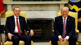 File Photo: Ο πρόεδρος Τραμπ με τον Ταγίπ Ερντογάν. Φωτογραφία ΤΟΥΡΚΙΚΗ ΠΡΟΕΔΡΙΑ