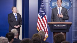 Homeland Security Advisor Tom Bossert (R) discusses the US government's response to the ransomware 'WannaCry', beside White House Press Secretary Sean Spicer (L) during a news briefing in the James Brady Press Briefing Room of the White House in Washington, DC, USA, 15 May 2017. EPA, MICHAEL REYNOLDS