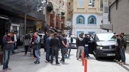 Olympiacos supporters and Turkish plain-clothed police officers in the streets close to Istiklal Avenue in central Istanbul, Turkey, 19 May 2017, following clashes between Olympiacos supporters and locals before the Euroleague Final Four basketball matches involving Greek team Olympiacos Piraeus. According to Turkish media, six Olympiacos fans suffered injuries, including one with stab wounds, before Turkish police intervened in the brawl. EPA, STRINGER