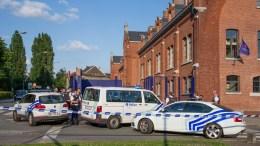 Βέλγοι αστυνομικοί πυροβόλησαν εναντίον ενός αυτοκινήτου στη συνοικία Μολενμπέκ στις Βρυξέλλες και κάλεσαν πυροτεχνουργούς αφού ο οδηγός ισχυρίστηκε ότι είχε εκρηκτικά στο όχημα, μεταδίδει το βελγικό δίκτυο VRT. FILE PHOTO. EPA/STEPHANIE LECOCQ