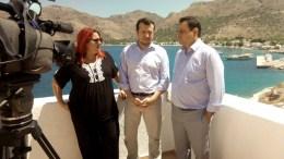 Ο υπουργός Ψηφιακής Πολιτικής, Τηλεπικοινωνιών και Ενημέρωσης, Νίκος Παππάς, συμμετείχε σε σύσκεψη φορέων της Τήλου, μαζί με τον υφυπουργό Ναυτιλίας και Νησιωτικής Πολιτικής, Νεκτάριο Σαντορινιό, και τη Δήμαρχο του νησιού, Μαριά Καμμά-Αλειφέρη, τη Δευτέρα 19 Ιουνίου 2017. ΑΠΕ-ΜΠΕ, ΓΓ ΕΝΗΜΕΡΩΣΗΣ, STR