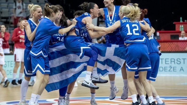Players of Greece celebrate after winning the quarter final match between Turkey and Greece at the EuroBasket Women 2017 in Prague, Czech Republic, 22 June 2017. EPA/MARTIN DIVISEK
