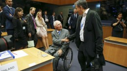 File Photo: German Finance Minister Wolfgang Schaeuble (L) and Greek Finance Minister Eucleidis Tsakalotos (R), at the start of the Eurogroup Finance Ministers meeting in Luxembourg, 15 June 2017. The Eurogroup meeting is held to ensure close coordination of economic policies among the euro area member states and aims to promote stronger economic growth. EPA/JULIEN WARNAND