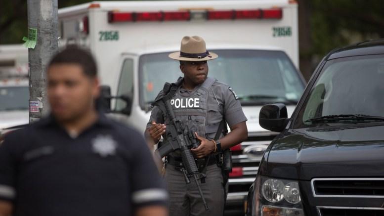 Ένας άνθρωπος σκοτώθηκε, πέντε τραυματίστηκαν από αυτοκίνητο στη διάρκεια συμπλοκής έξω από μπαρ στη Νέα Υόρκη. FILE PHOTO. EPA/Kevin Hagen