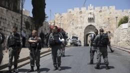 FILE PHOTO. Israeli border police at the Lions Gate of Jerusalem's Old City. EPA/ATEF SAFADI.