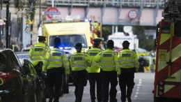 Police and emergency services. FILE PHOTO. EPA, WILL OLIVER
