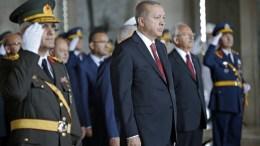 FILE PHOTO. Turkish President Recep Tayyip Erdogan (C) visits the Mausoleum of Mustafa Kemal Ataturk. EPA, TUMAY BERKIN