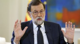 Spanish Prime Minister Mariano Rajoy gestures during an interview with Spanish News Agency Agencia EFE, at La Moncloa Palace in Madrid, Spain, 05 October 2017. Rajoy demanded from Catalonian regional Government President Puigdemont to cancel 'as soon as possible' his project of making an unilateral independence declaration. A vast majority voted 'yes' to a Catalan independence in the referendum held 01 October 2017 that had been banned by the Spanish Constitutional Court and saw national police and civil guards deployed in order to prevent the people from voting.  EPA/Angel Diaz
