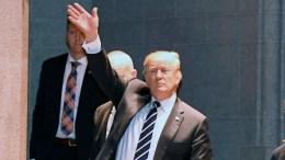 United States President Donald J. Trump (C). EPA, RON SACHS / POOL
