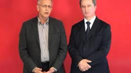 Ο προεδρικός υποψήφιος του ΑΚΕΛ Σταύρος Μαλάς (δεξιά) με τον γραμματέα του ΣΥΡΙΖΑ, Πάνο Ρήγα. Φωτογραφία ΑΠΕ-ΜΠΕ