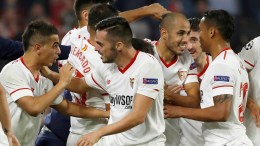 Sevilla's players jubilate the third goal of the team during the UEFA Champions League group stage match between Sevilla FC and Liverpool FC in Seville, Spain, 21 November 2017. EPA, JULIO MUNOZ