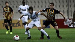 Ο παίκτης του Ατρόμητου Θοδωρής Βασιλακάκης μάχεται για την μπάλα με τον παίκτη του Πανιωνίου Παναγιώτη Κόρμπο κατά τη διάρκεια του αγώνα Ατρόμητος - Πανιώνιος για τη 10η αγωνιστική του πρωταθλήματος της Super League που διεξήχθη στο γήπεδο του Περιστερίου, το Σάββατο 4 Νοεμβρίου 2017. Ο αγώνας έληξε ισόπαλος 0 – 0. ΑΠΕ-ΜΠΕ/ΑΠΕ-ΜΠΕ/ΓΕΩΡΓΙΑ ΠΑΝΑΓΟΠΟΥΛΟΥ