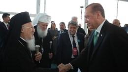 Ο Οικουμενικός Πατριάρχης Βαρθολομαίος με τον πρόεδρο της Τουρκίας Ταγίπ Ερντογάν και τον Πατριάρχη της Βουλγαρίας. Φωτογραφία Τουρκική Προεδρία