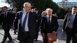 File Photo: Ο υπουργός Εξωτερικών Νίκος Κοτζιάς (A) και ο ειδικός μεσολαβητής του ΟΗΕ Μάθιου Νίμιτς (Δ) περπατούν μαζί μετά τη συνάντηση τους στο Υπουργείο Εξωτερικών, Αθήνα Τρίτη 30 Ιανουαρίου 2018. Ο Μάθιου Νίμιτς βρίσκεται στην Αθήνα σε συνέχεια των διαπραγματεύσεων που βρίσκονται σε εξέλιξη σχετικά με το όνομα της FYROM. ΑΠΕ-ΜΠΕ, ΟΡΕΣΤΗΣ ΠΑΝΑΓΙΩΤΟΥ