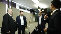 File Photo: Ο πρωθυπουργός, Αλέξης Τσίπρας  με τον Πρωθυπουργό της ΠΓΔΜ Ζόραν Ζάεφ (Zoran Zaev) ενώ παρακολουθεί ο υπουργός Εξωτερικών Νίκο Κοτζιάς  σε συνάντηση που είχαν, στο Νταβός. ΑΠΕ-ΜΠΕ, ΓΡΑΦΕΙΟ ΤΥΠΟΥ ΠΡΩΘΥΠΟΥΡΓΟΥ, ΓΙΑΝΝΗΣ ΚΟΛΕΣΙΔΗΣ
