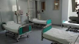 File Photo: Κλίνες σε μονάδα εντατικής θεραπείας στο Λαϊκό Νοσοκομείο ΑΠΕ-ΜΠΕ, Στυλιανός Αξιώτης