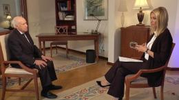 O Mάθιου Νίμιτς μιλα στο Eutonews και τη Νικολέττα Κρητικού για τις επαφές του σε Αθήνα κ ι Σκόπια . Φωτογραφία Εuronews