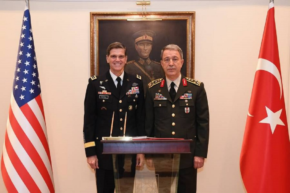 Commander of the US Central Command General Joseph Votel (L) and Chief of Staff General Hulusi Akar during their meeting in Ankara, Turkey. EPA, TURKISH GENERAL STAFF PRESS OFFICE HANDOUT, EDITORIAL USE ONLY