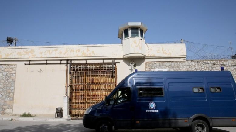 Λεωφορείο της αστυνομίας έξω από τις φυλακές Κορυδαλλού. FILE PHOTO, ΑΠΕ-ΜΠΕ, ΑΛΕΞΑΝΔΡΟΣ ΒΛΑΧΟΣ