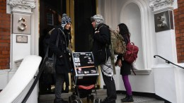 Finnish-British activist Lauri Love (C) who is charged with allgedly stealing data from United States Government computers arrives at the Ecuadorian Embassy where Wikileaks founder Julian Assange resides in Knightsbridge, south west London, Britain, 06 February 2018. EPA, NEIL HALL