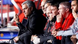 Manchester United's Portuguese manager Jose Mourinho (L) reacts during the UEFA Champions League round of 16, first leg soccer match between Sevilla FC and Manchester United at Sanchez Pizjuan stadium in Seville, southern Spain, 21 February 2018. EPA, JOSE MANUEL VIDAL