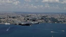 Κατέπεσε τουρκικό εκπαιδευτικό αεροσκάφος στη Σμύρνη. Στη φωτογραφία εικονίζονται τουρκικά μαχητικά F-4 και F-16. FILE PHOTO via Τουρκική Αεροπορία.