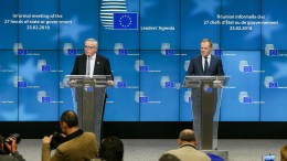 EU Commission President Jean-Claude Juncker (L) and European Council President Donald Tusk (R) give a statement to the media after the informal meeting of the 27 European Heads of States and Governments in Brussels, Belgium. EPA, STEPHANIE LECOCQ