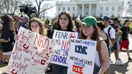 Students demonstrate for stronger gun control laws outside the White House in Washington, DC, USA. FILE PHOTO, EPA, MICHAEL REYNOLDS