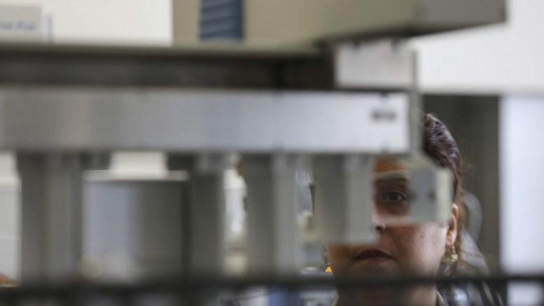 File Photo: Σύμφωνα με Αμερικανούς επιστήμονες τα δάκρυα μπορούν να δείξουν αν κάποιος πάσχει από Πάρκινσον EPA, Antonio Lacerda