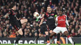 AC Milan Alessio Romagnoli (L) controls the ball during the UEFA Europa League game 2nd leg round of 16 between Arsenal and AC Milan at the Emirates Stadium in London, Britain, 15 March 2018. EPA,FACUNDO ARRIZABALAGA