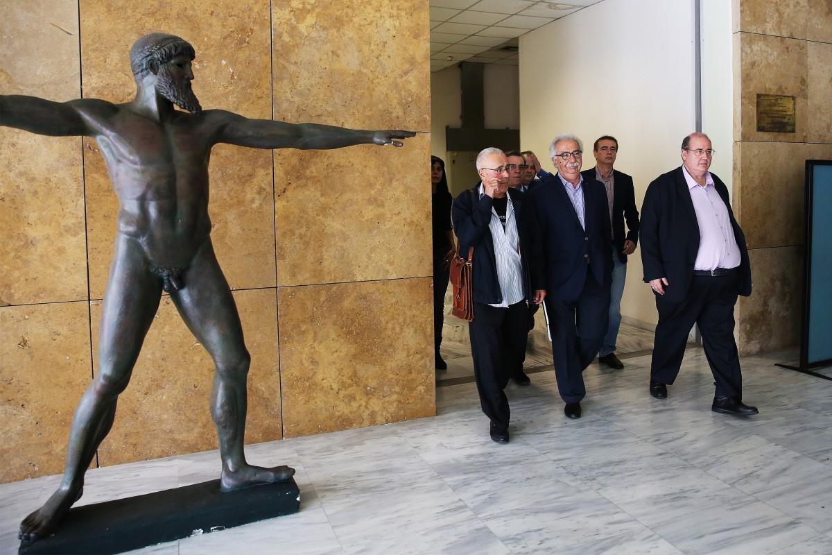 To Έθνος, η Πατρίδα, η Θρησκεία, η Ελλάδα, δεν αποτελούν ύβρη και κυρίως, δεν αποτελούν απειλή