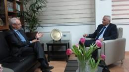 Ο ΓΓ του ΑΚΕΛ Άντρος Κυπριανού συναντήθηκε με τον Πρέσβη της Ιταλίας Αντρέα Καβαλάρι. ΚΥΠΕ, Η. ΜΙΤΣΙΔΟΥ