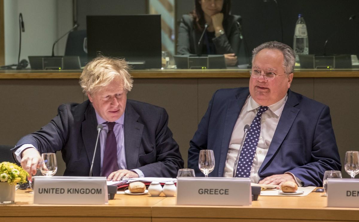 Τι περιλαμβάνουν οι προτάσεις που έστειλε ο Κοτζιάς στα Σκόπια: Τα επτά κρίσιμα θέματα...