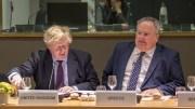 Ο υπουργός Εξωτερικών, Νίκος Κοτζιάς, συνομιλεί με τον Βρετανό υπουργό Εξωτερικών Boris Johnson (A) κατά τη διάρκεια του Συμβουλίου Εξωτερικών Υποθέσεων της Ευρωπαϊκής Ένωσης, που πραγματοποιήθηκε στις Βρυξέλλες, τη Δευτέρα 19 Μαρτίου 2018. ΑΠΕ-ΜΠΕ, EUROPEAN COUNCIL, Tashana BATISTA
