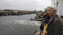Christine Lagarde visits Cilincing river in Jakarta, Indonesia. Photo via IMF