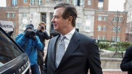 Former Trump Campaign Manager Paul Manafort walks to his car after being arraigned at the Federal Courthouse in Alexandria, Virginia, USA, 08 March 2018. Manafort plead not guilty on charges including tax evasion and bank fraud. EPA, SHAWN THEW