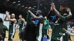 File photo: Παίκτες του Παναθηναϊκού πανηγυρίζουν τη νίκη τους.  ΑΠΕ-ΜΠΕ, ΓΙΩΤΑ ΚΟΡΜΠΑΚΗ