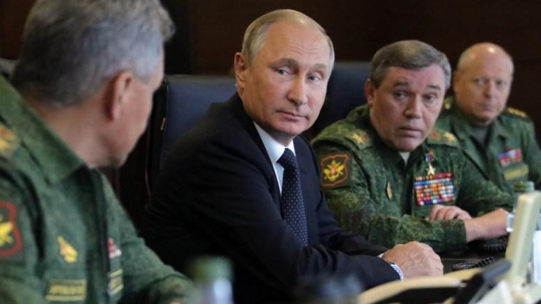 File Photo: Russian President Vladimir Putin and General Valery Gerasimov.   EPA, MIKHAIL KLIMENTYEV, SPUTNIK,  KREMLIN POOL MANDATORY CREDIT, SPUTNIK