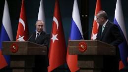 File Photo: Βλαντιμίρ Πούτιν και Ταγίπ Ερντογάν σε παλαιότερη συνάντησή τους. EPA, TUMAY BERKIN